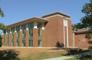 Donnelley and Lee Library